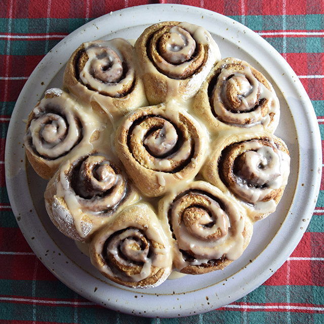 healthy vegan cinnamon rolls with walnuts and glaze