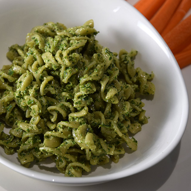 Lemon Spinach Pesto in a bowl