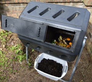 compost tumbler with compost